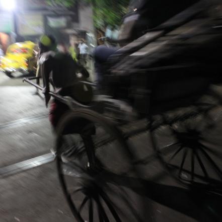 Ciclotaxista en Calcuta, India. 2011
