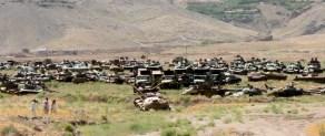 Cementerio de tanques en Panjshir, Afganistán. 2011